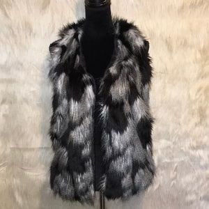Decree Faux Fur Feather Black Vest With Pockets XS